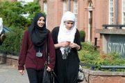 یک زن محجبه در بریتانیا قاضی شد